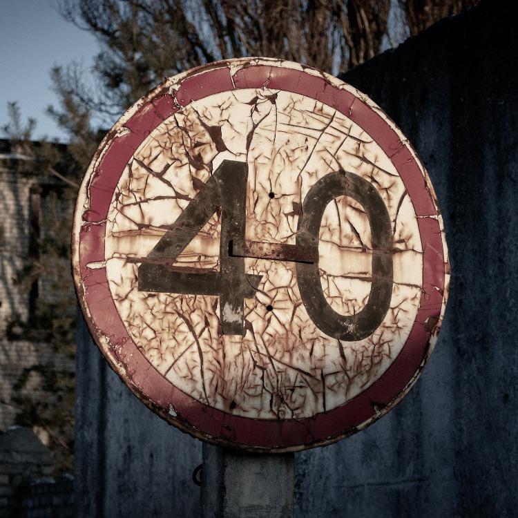 Angka 40: Antara Mitos dan Fakta