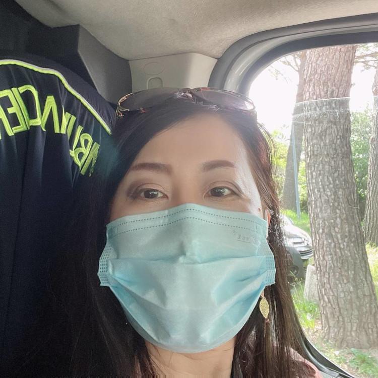 Ambulans Menghubungkan Pasien dan Klinik