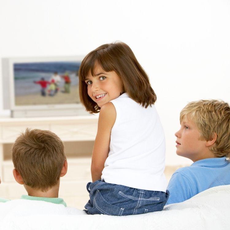 TV dan Dunia Anak: Refleksi Hari Anak dan Hari Tanpa Televisi